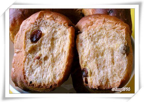 紅麴甜菜根雜糧果乾麵包撥開照-1.jpg