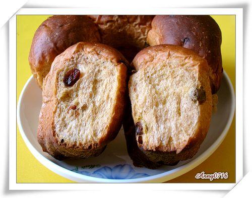 紅麴甜菜根雜糧果乾麵包撥開照-4.jpg