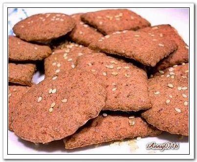 紅麴高纖芝麻蘇打餅乾-1.jpg