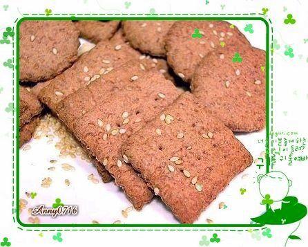 紅麴高纖芝麻蘇打餅乾-3.jpg