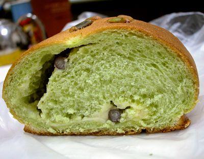 抹茶紅豆牛奶麵包-多那之咖啡烘焙坊-2.jpg
