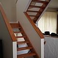 很有通透感的樓梯~ P1050581.JPG