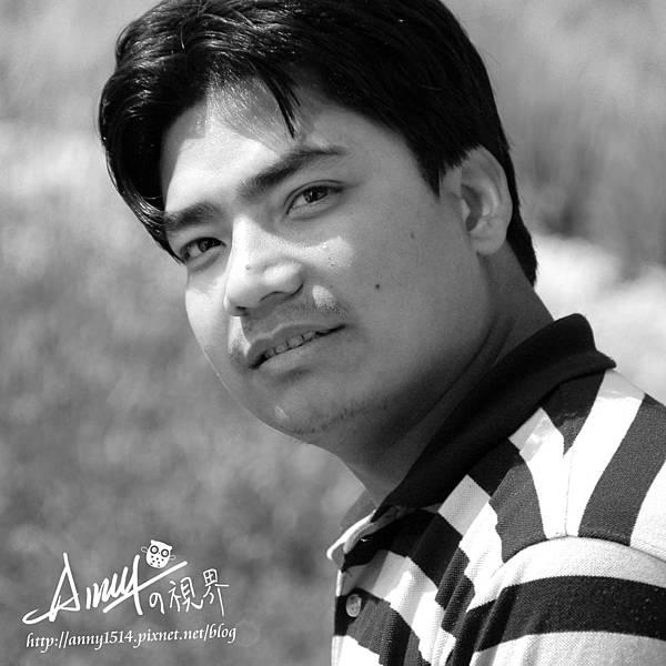 2010.4--Nepal-隨車小弟.jpg