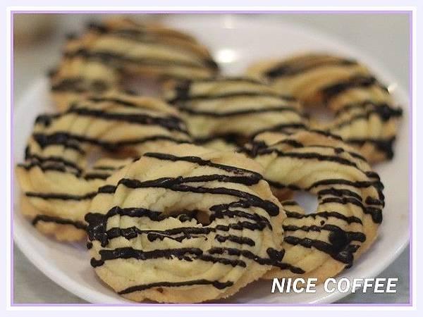 線條巧克力餅乾