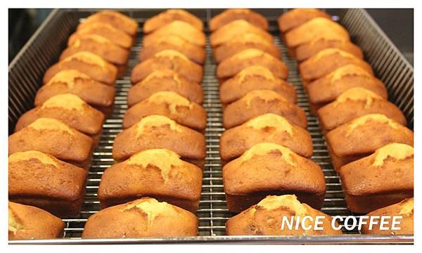 IMG_4203磅蛋糕大合照.jpg
