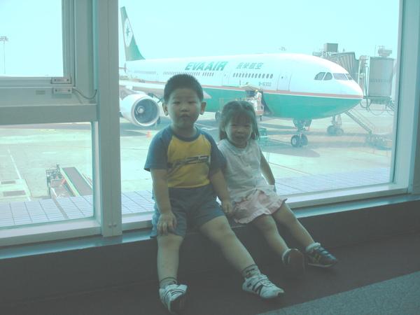 012我要坐這台飛機去韓國.jpg