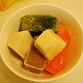 糙米、青江菜、紅蘿蔔+洋蔥、黑眼豆.JPG