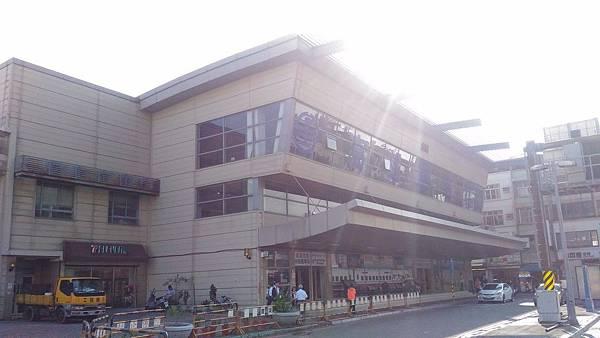 台鐵高雄後站 01.jpg