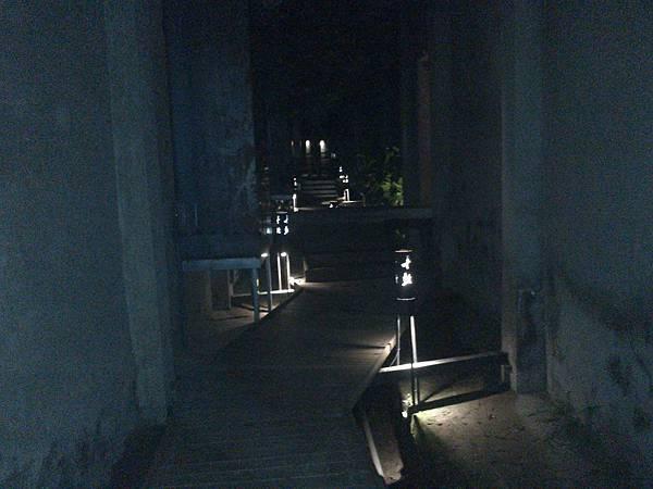 長廊夜景.jpg