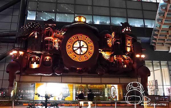 宮崎駿デザインの日テレ大時計-15