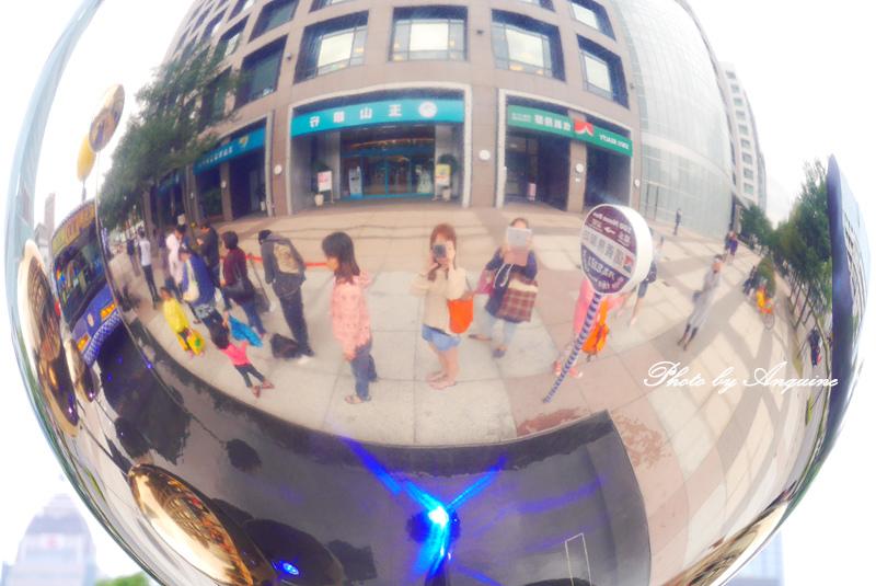 廖西瓜@台北信義區幾米月亮公車7