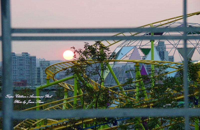 廖西瓜@台北市立兒童新樂園夜景4