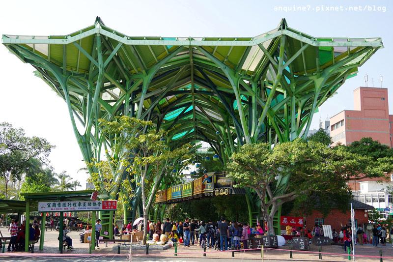 廖西瓜@宜蘭火車站、丟丟噹公園飛天火車、幾米主題廣場1