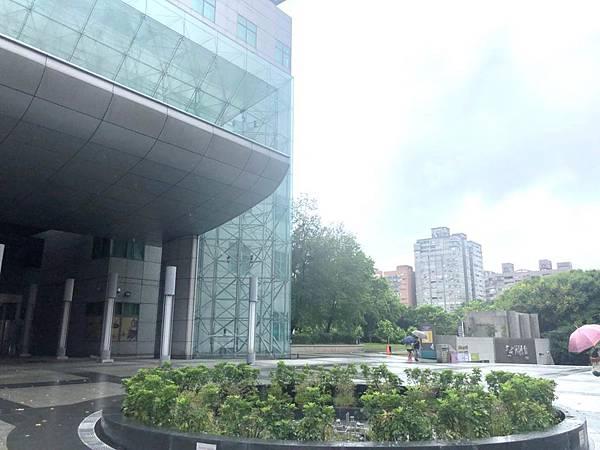 四號公園生活機能健全內設有公立圖書館.jpg