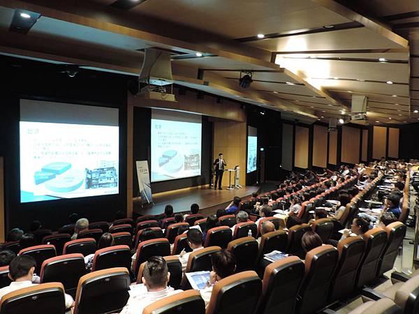 安信「全案管理」講座超過上百名之中小企業、傳產型企業主及地主到場參與-.JPG