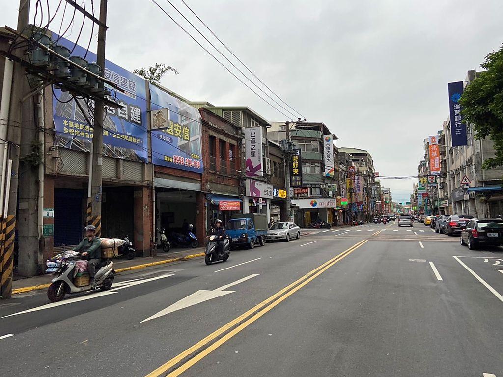 安信鎖定台北市大同區整排連棟「逾50年以上之高齡透天老宅」,為危老重建首推的核心區域.jpg