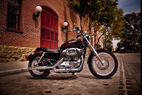 2011 Sportster 200 Low XL1200L Side View.jpg