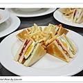 nEO_IMG_20100808-303C-1總匯三明治附薯條.jpg