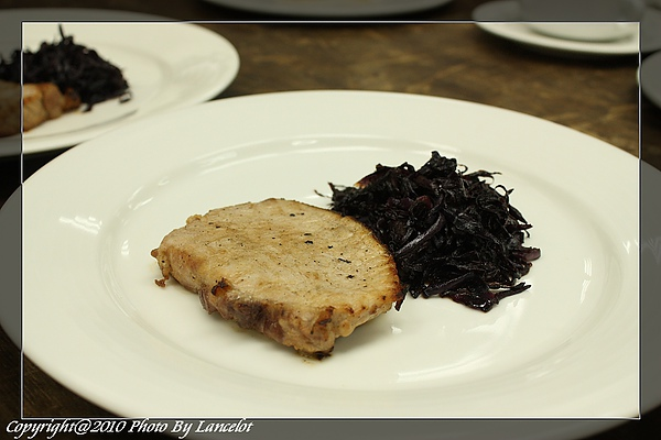 nEO_IMG_20100718-302C-3煎豬排附燜紫高麗菜絲.jpg