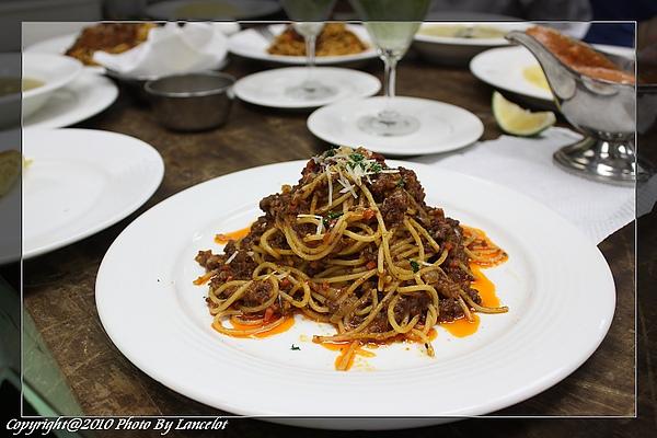 nEO_IMG_20100703-301C-4義大利肉醬麵.jpg