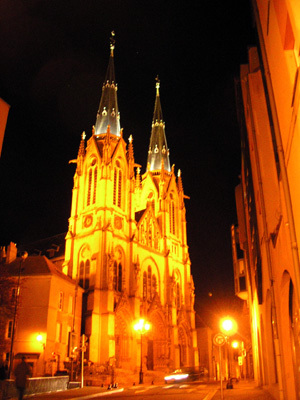 Metz的夜教堂