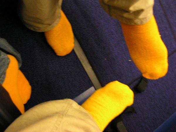 襪子當拖鞋用