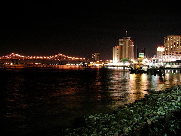 海堤的左邊