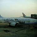 機場 - 隔壁的班機