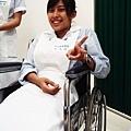 終於坐上輪椅了有多開心