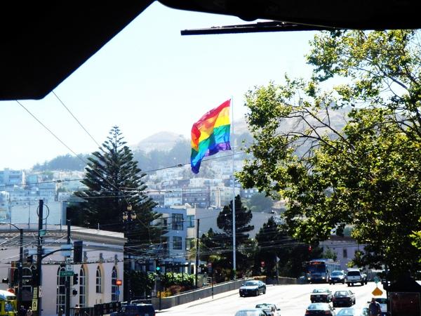 國旗飄阿飄,歡迎來到Castrol