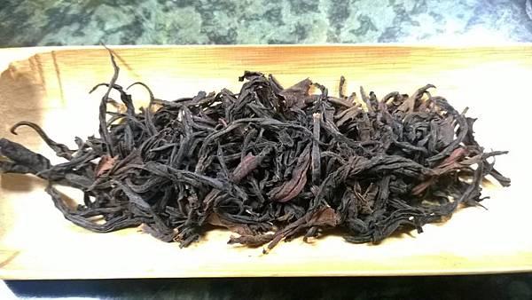 蜜香老欉山茶.jpg