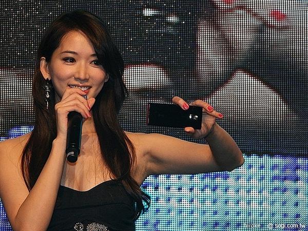 林志玲-LG手機代言2.jpg