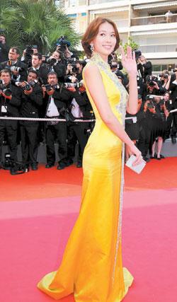 坎城影展-黃色改良式旗袍2.jpg