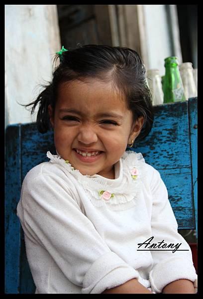 尼泊爾,那一抹微笑.jpg