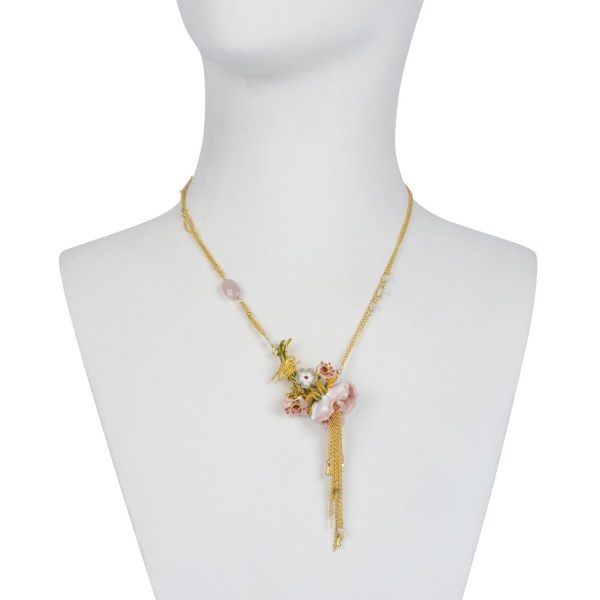 bouquet-of-cream-anemones-and-chains-necklace