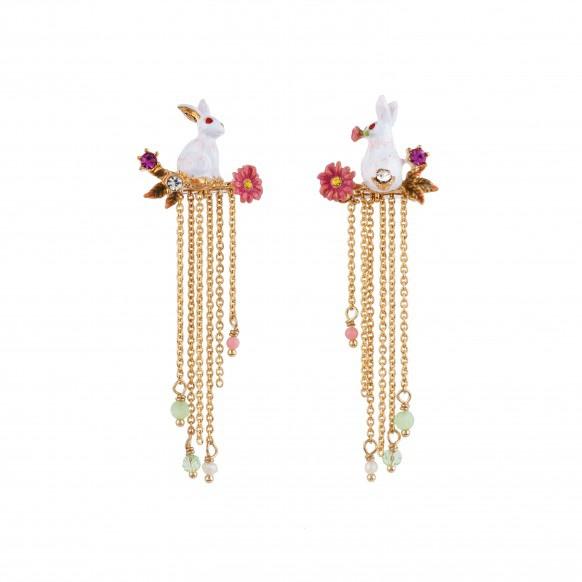 boucles-d-oreilles-asymetriques-lapins-fleurs-et-cascades-de-chaines