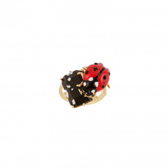 red-ladybird-on-marbled-black-stone-ring