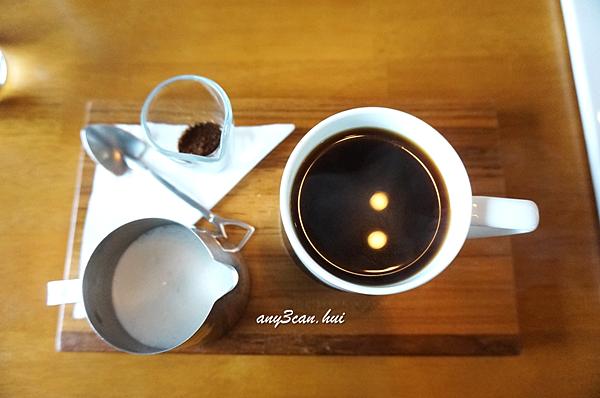癡吃虎*貳參咖啡