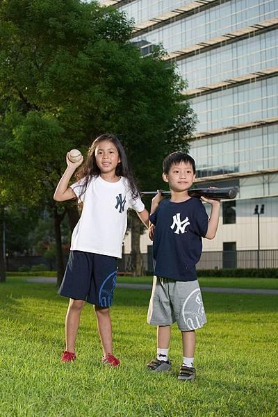 2007.7蘇雨桐楊易當MLB服裝MODEL 036.jpg