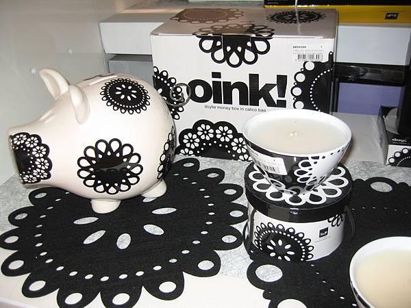 黑白豬瓷器