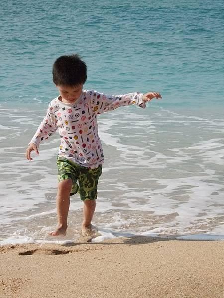 墾丁海邊逐浪