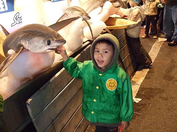 2008.2.9墾丁大街的海產店門口