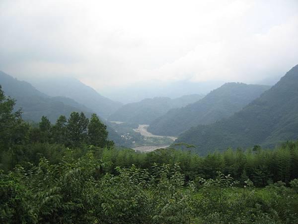 從拉庫山上俯瞰河谷
