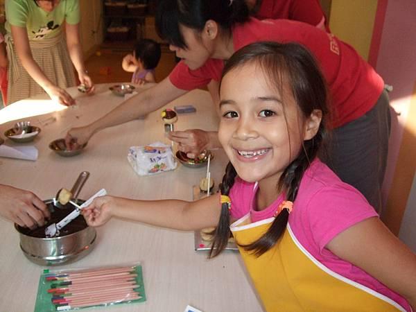小小模特兒ANNIE做一口棒棒蛋糕