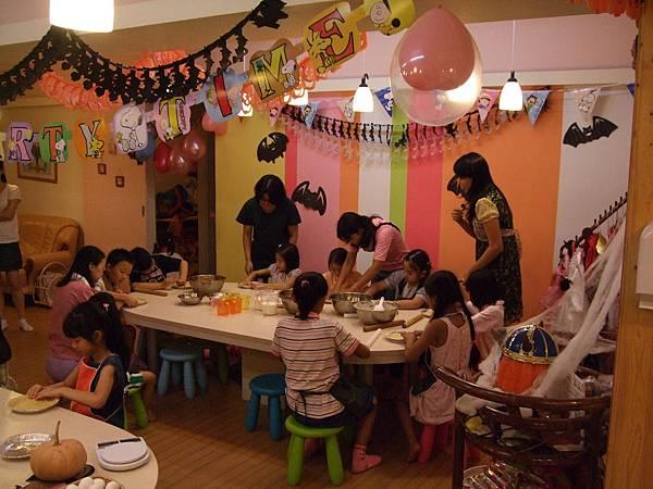 2008.10.18蘇雨桐八歲生日媽媽PLAY辦PARTY (16).jpg