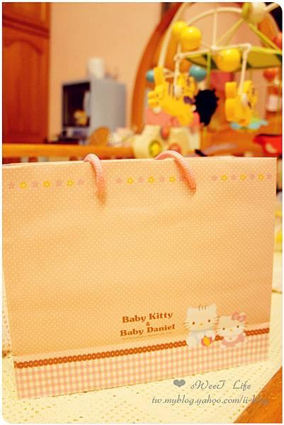 金格-Baby Kitty彌月禮盒 (6).JPG