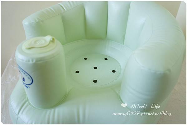 晴晴兒的充氣沙發椅 (3).JPG
