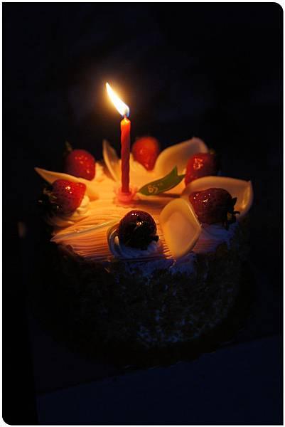 2014生日蛋糕^^ (3).JPG