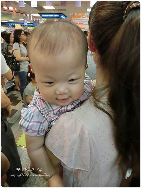 寶寶爬行比賽初體驗 (2).JPG