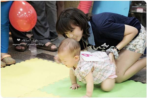 寶寶爬行比賽初體驗 (8).JPG